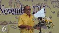 Ketum Golkar Munas Bali Aburizal Bakri memberikan pidato saat silaturahmi nasional Golkar di Kantor DPP Golkar, Jakarta, Minggu (1/11). Silahturahmi di gelar untuk membahas persiapan Partai Golkar dalam menghadapi pilkada 2015. (Liputna6.com/Angga Yuniar)