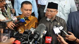 Ketua MKD, Surahman Hidayat memberikan keterangan pers usai bertemu Kapolda di Jakarta, Senin (1/3). Tujuan MKD mengklarifikasi penahanan terhadap anggota Komisi IV dari Fraksi PPP Fanny Safriansyah atau Ivan Haz. (Liputan6.com/Johan Tallo)