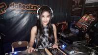 Izty Nathalia berkiprah sebagai DJ. (Istimewa)