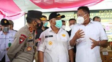 Gubernur Sulut Olly Dondokambey mengunjungi wilayah perbatasan Sulut dan Gorontalo dalam rangka meninjau pos penyekatan larangan mudik saat Idulfitri 1442 H.