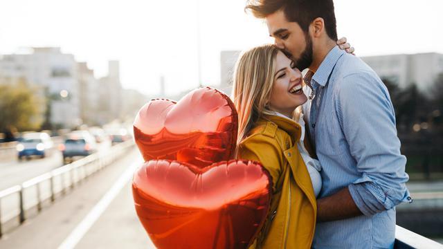 30 Kata Kata Cinta Lucu Buat Pacar Kocak Dan Bikin Senyum