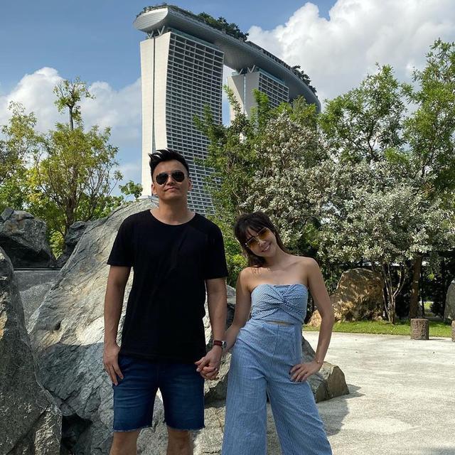 7 Potret Kemesraan Gisel dan Wijin Saat Liburan di Singapura - Hot  Liputan6.com