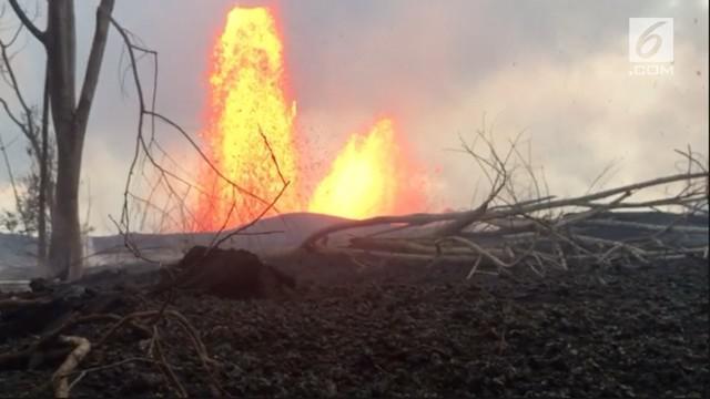 Gunung Kilauea, Hawaii terus bererupsi. Letusan gunung setinggi 55 meter kian menggerus rumah warga.