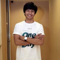 Jefri Nichol  kembali dalam dunia perfilman di Indonesia yang berjudul One Fine Day. Lantaran lokasi syuting yang berada di luar negeri, tak heran banyak hal yang sulit dilupakan. (Nurwahyunan/Bintang.com)