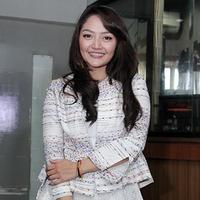 Siti Badriah dan BLACKPINK (Foto: Deki Prayoga/Bintang.com, Twitter/ygent_official)