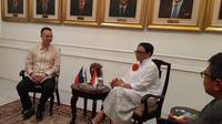 Menteri Luar Negeri Filipina Alan Peter Cayetano dan Menteri Luar Negeri RI Retno Marsudi di Kemlu RI (20/8) (Rizki Akbar Hasan / Liputan6.com)