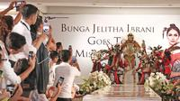 Puteri Indonesia 2017 Bunga Jelitha Ibrani memakai kostum nasional untuk Miss Universe (Foto: Liputan6.com/Herman Zakaria)