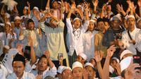 """Santri-santri El Bayan dalam acara """"Shalawat Untuk Negeri"""". (Foto: Liputan6.com/Muhamad Ridlo)."""