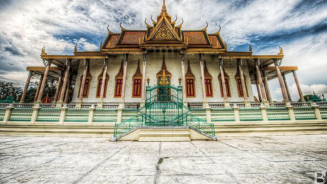 Candi Pasar Dan Hujan Teman Selama Berkelana Ke Kamboja Lifestyle Liputan6 Com