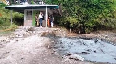 Semburan Lumpur Bercampur Gas di Cirebon Jadi Wisata Dadakan Masyarakat