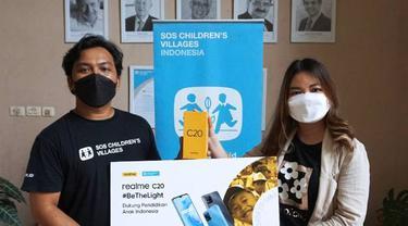 Realme Bagi-Bagi Smartphone Gratis untuk Pelajar di Daerah Pelosok