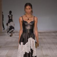 Alexander McQuuen Spring 2020 Paris Fashion Week (Dok. Alexander McQueen)