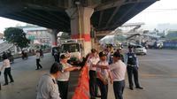 Penutupan Jalan Kebon Nanas (Liputan6.com/Nanda Perdana Putra)