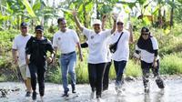 Menteri Rini, Anas, dan Bos Bank BUMN Lari di Kebun Cokelat Banyuwangi.