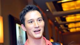 Pria berkebangsaan Kanada itu kini lebih memilih dalam mengambil peran karena ingin membuat sang buah hati bangga terhadap karya-karya ayahnya, Jakarta, Senin (4/8/14). (Liputan6.com/Panji Diksana)