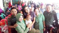 Miss Indonesia 2015, Maria Harfanti dalam acara kegiatan sosial bersama anak penderita bibir sumbing. (Foto: Yuliardi Hardjo Putra/Liputan6.com)