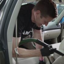 Cara Bersihkan Kabin Mobil. (Popular Mechanics)