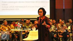 Sri Mulyani saat memberi arahan pejabat Eselon I dan II dalam Rakernas Kementerian Keuangan, Jakarta, Selasa (10/1). Sri Mulyani membahas pengaruh pertumbuhan ekonomi China terhadap dunia dan Indonesia. (Liputan6.com/Angga Yuniar)