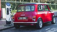 Mobil listrik Mini klasik (Carscoops).