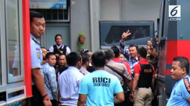 Djarot Saeful Hidayat siap pasang badan agar Ahok bisa menjadi tahanan kota.