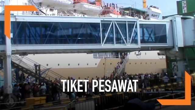 Pemudik di Sorong, Papua Barat memilih mudik menggunakan transportasi laut ketimbang pesawat karena harga tiket yang mahal.