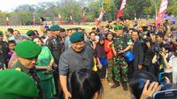 SBY temui warga Tangerang usai sertijab Mayor Inf Agus Harimurti Yudhoyono (Liputan6.com/Ahmad Romadoni)