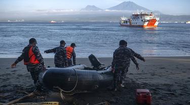 FOTO: 11 Korban Tenggelamnya KMP Yunicee Masih dalam Pencarian