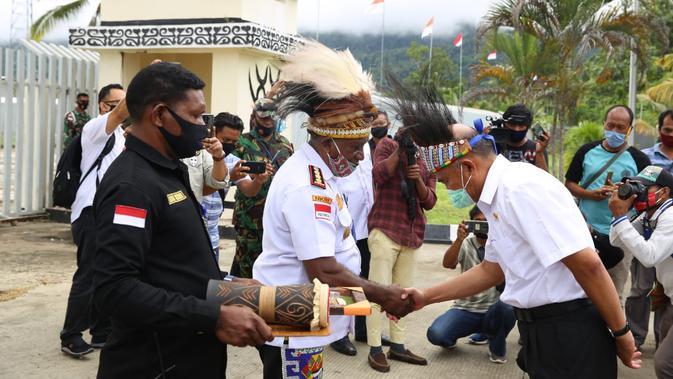 Sambangi Wilayah Terdepan, Menko PMK Pastikan Bantuan Pemerintah Tersalurkan