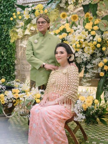Arief Muhammad dan Istri, Tiara Pangestika.