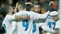 3. Real Madrid - Mengeluarkan 6,2 juta poundsterling per pekan. (AP/Francisco Seco)