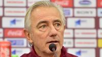 Bert van Marwijk dipecat dari jabatannya sebagai pelatih Timnas Uni Emirat Arab (UEA). (Bola.com/Dok. UAE FA)