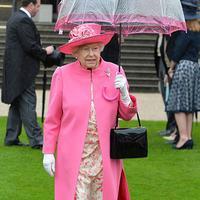 Ratu Elizabeth II/hellomagazine