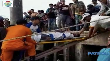 Diangkut menggunakan rubber boat dan dikawal speed boat Lantamal Tarakan, korban dibawa menuju Pelabuhan Malundung Tarakan untuk dievakuasi