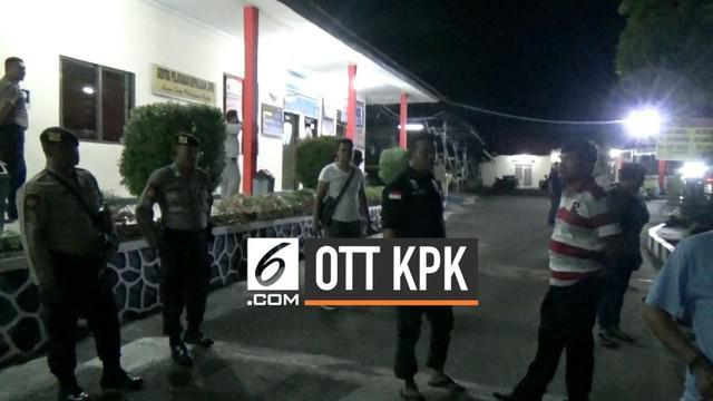 Tim Satgas Komisi Pemberantasan Korupsi (KPK) kembali melakukan operasi tangkap tangan (OTT). Kali ini tim penindakan menyasar wilayah Kepulauan Riau (Kepri).