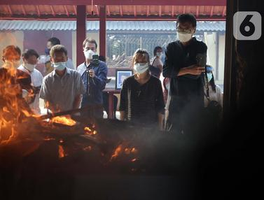 FOTO: Melihat Lebih Dalam Proses Kremasi Jenazah di Krematorium Cilincing