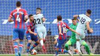 Penyerang Chelsea Olivier Giroud pada laga kontra Crystal Palace (PETER CZIBORRA/POOL/AFP)