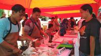 Operasi Pasar di Kota Cirebon memicu protes dari pedagang pasar setempat. Foto (Liputan6.com / Panji Prayitno)