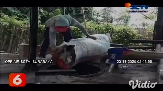 Inisiator pembuatan alat pengubah sampah plastik menjadi bahan bakar ini adalah Nyoto Hariyono, seorang mantan tukang servis elektronik. Kelangkaan bahan bakar solar pada tahun 2006, yang menjadi ide Nyoto untuk menciptakan alat tersebut.