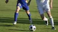 Berikan 5 penjelasan ini kepada pasangan supaya Anda diperbolehkan bermain sepakbola.