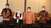 Deputi Bidkor Kominfo dan Aparatur Kemenko Polhukam, Rus Nurhadi mewakili Menko Polhukam bersama para nara sumber dalam FKK dengan tema Independensi dan Netralitas Media Massa Dalam Pilkada 2020 di Bogor, Jawa Barat, Rabu (21/10/2020). (Ist)