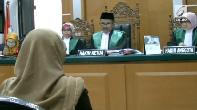Data Pengadilan Agama Kota Bekasi menemukan media sosial sebagai penyebab utama orang bercerai di Bekasi. Mengalahkan faktor perselingkuhan.