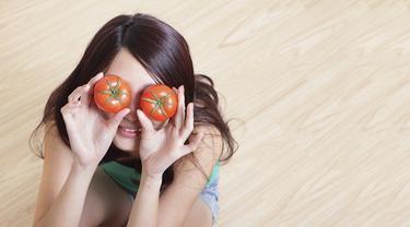 Samarkan Bekas Jerawat Pakai Masker Tomat Dan Madu Beauty Fimela Com