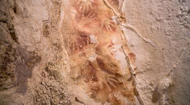 Lukisan gua berusia 40 ribu tahun ditemukan di Indonesia