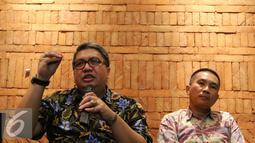 Ketua Aprindo Roy Mandey menjelaskan kepada awak media di Jakarta, Senin (3/10). Aprindo meminta ketegasan pemerintah khususnya KLHK untuk segera menerbitkan Permen mengenai plastik berbayar. (Liputan6.com/Angga Yuniar)