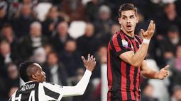 Andre Silva - Pemain asal Portugal ini pernah merasakan keterpurukan yang dalam saat berada di AC Milan pada musim 2017. Silva dianggap gagal bersinar lantaran hanya mampu mengoleksi 10 gol dari 41 penampilan di musim debutnya. (Foto:AFP/Marco Bertorello)