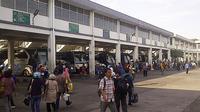 Suasana mudik Lebaran di Terminal Purabaya, Surabaya, Jawa Timur. (Liputan6.com/Dian Kurniawan)