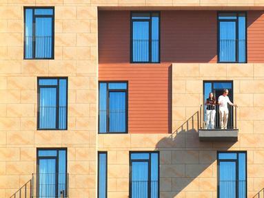 Yener Torun saat mengabadikan sebuah bangunan yang unik di Instabul, Turki. Perpaduan teknik Fotografi digabung dengan ilmu arsitektur maka hasilnya adalah gambar - gambar yang indah seperti ini.  (Dailymail.co.uk)