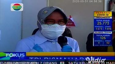 Ratusan warga di Kota Surabaya, Jawa Timur, yang dinyatakan reaktif Covid-19 berdasar hasil rapid test atau tes cepat yang digelar pemkot menjalani tes swab secara bertahap. Tes swab itu untuk mengetahui seseorang positif atau negatif Covid-19.