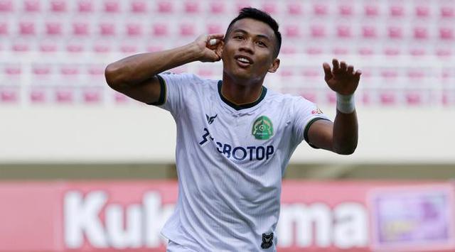 Pemain Persikabo Ahmad Nufiandani beraksi di Piala Menpora 2021 (Bola.com/Arief Bagus)