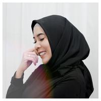 Keinginan Fitri Tropica untuk menutup auratnya dengan hijab sudah terlaksana. (Instagram/fitrop)